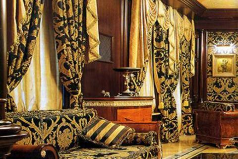 классические шторы с крупным рисунком